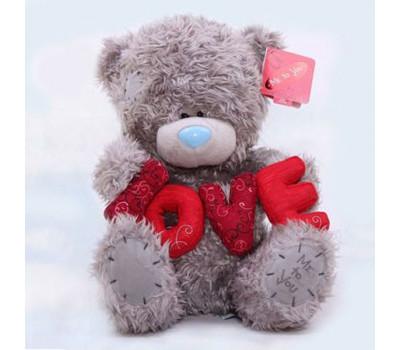 Мишка Тедди с буквами LOVE