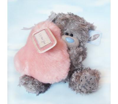 Медвежонок с пушистым розовым сердцем