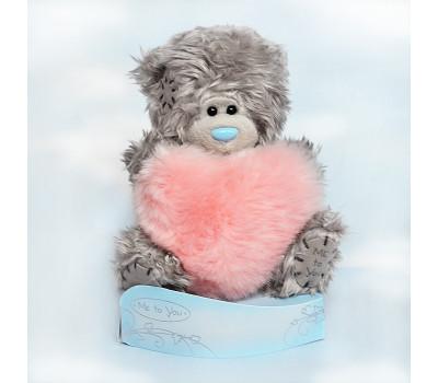 Медвежонок с меховым розовым сердцем