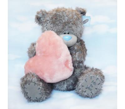 Мишка Тедди-романтик с большим меховым сердцем