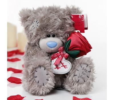 Тедди MeToYou 13 см. с алой розой в лапках