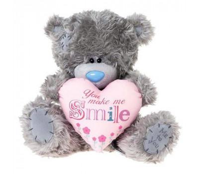 Мишка Тедди держит сердце YOU MAKE ME SMILE