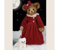 Мишка Бэррингтон в красном платье с собачкой