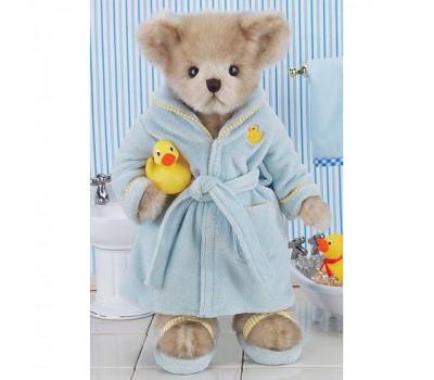 Мишка Бэрингтон - мальчик в халате и тапочках