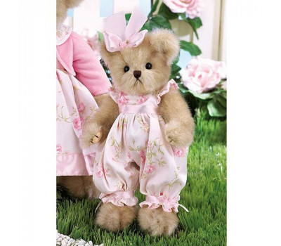 Мишка Бэрингтон в розовом комбинезоне