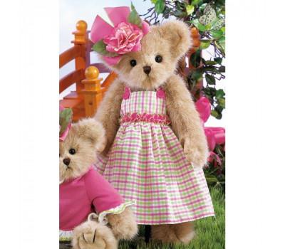 Ведмедик беррінгтон в рожевій сукні в клітинку