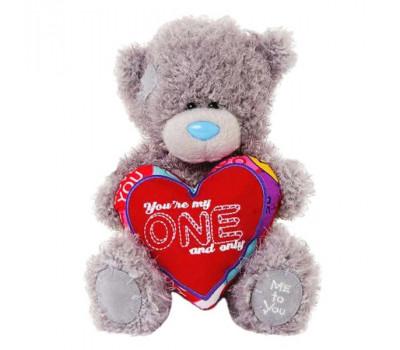 Мишка Тедди держит сердце YOU'RE MY ONE AND ONLY