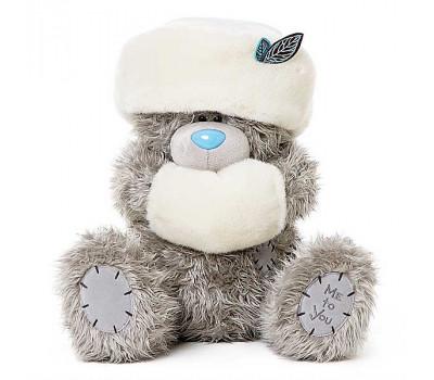 Мишка Тедди в белой шапке и с муфточкой