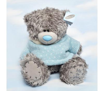 Тедди в голубом вязаном свитере