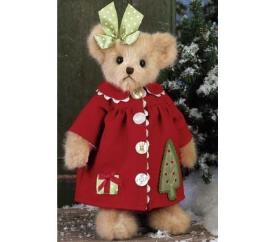 Мишка Беррингтон в пальто с пуговками