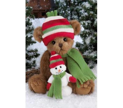 Мишка Беррингтон держит снеговичка