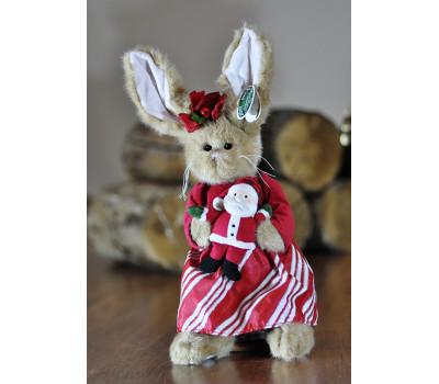 Зайка Беррингтон в платье и с Санта Клаусом